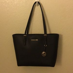 Michael Kors Jet Set Travel Large tote bag👜✨